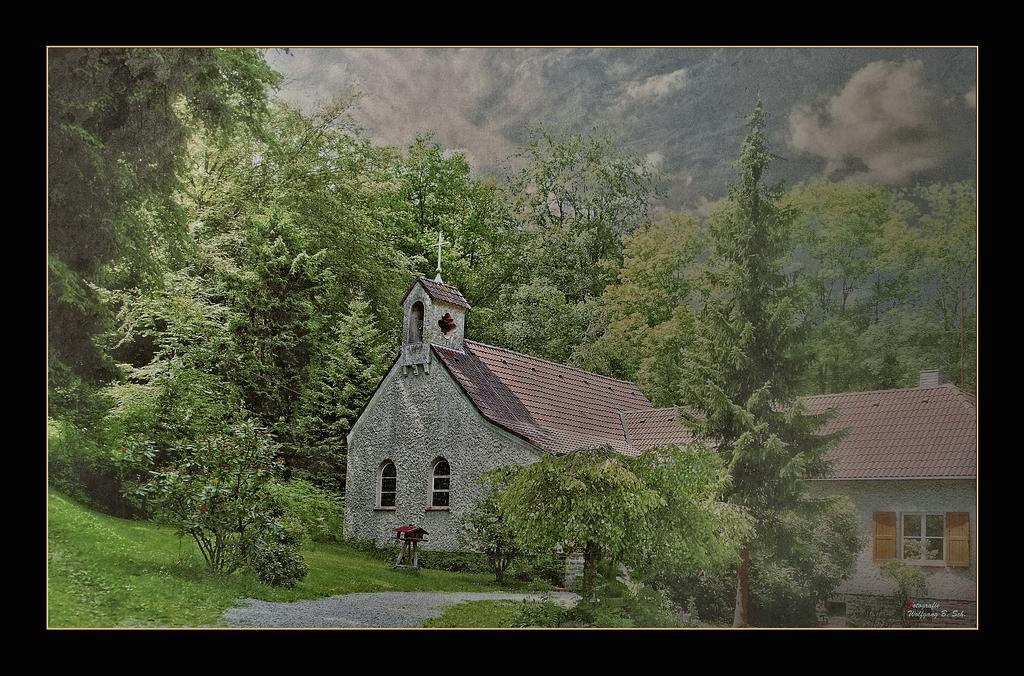 Die Waldkirche lebt...