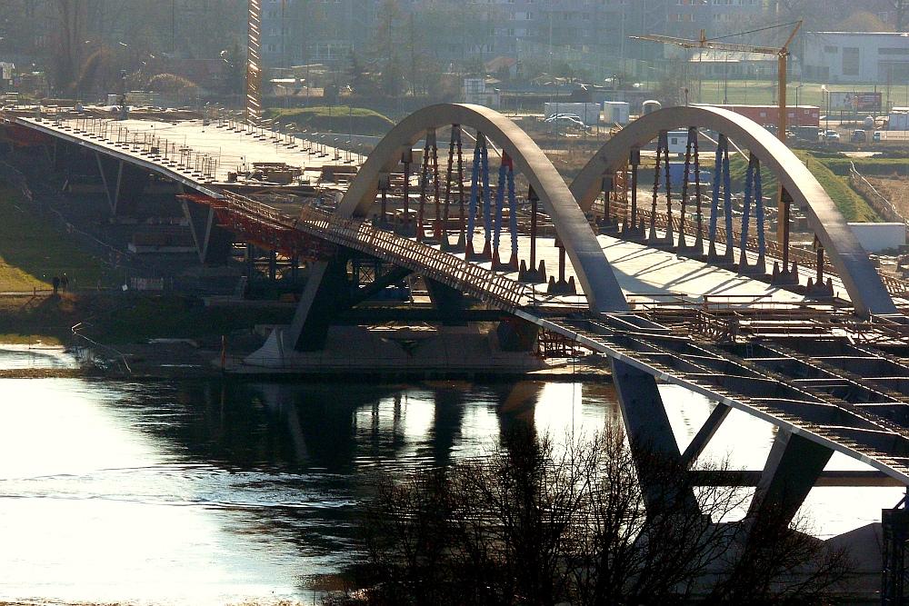 Die Waldschlösschenbrücke im Januar 2012 II