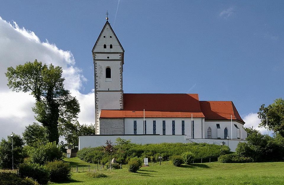 Die Wallfahrtskirche auf dem Bussen (2)