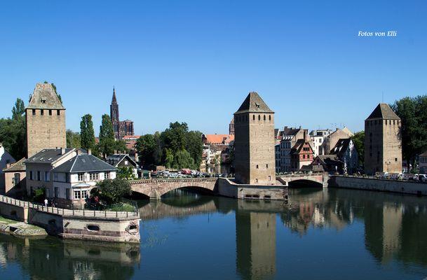 Die Wehranlage in Straßburg