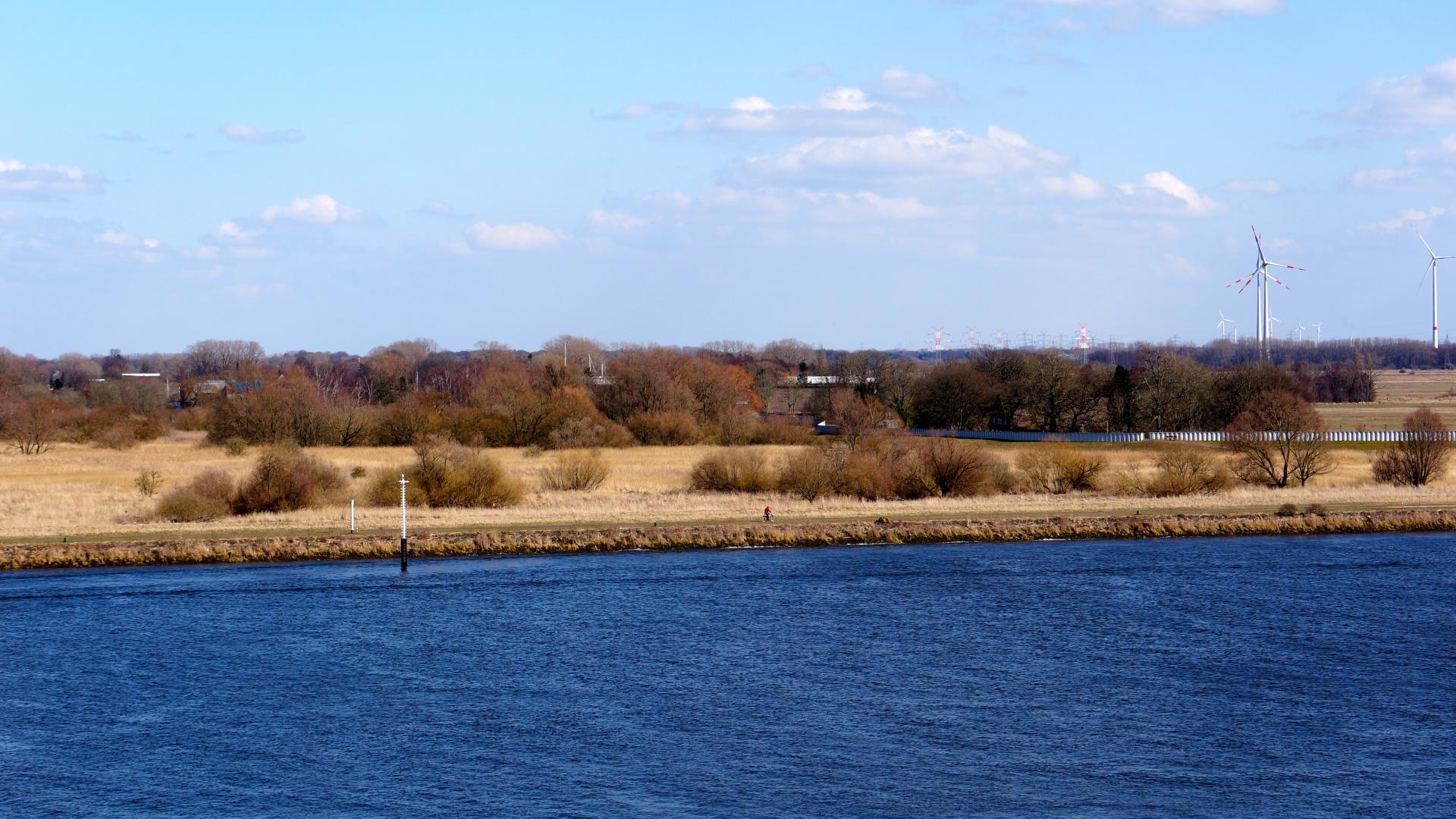 Die weise blaue Weser am Nachmittag