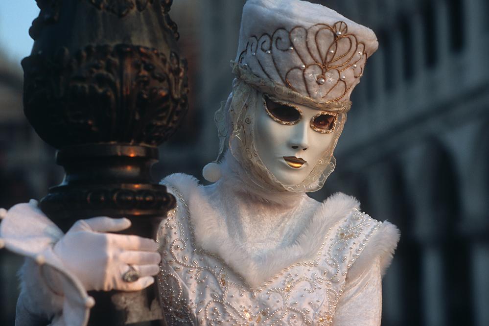 Die weiße Maske_2