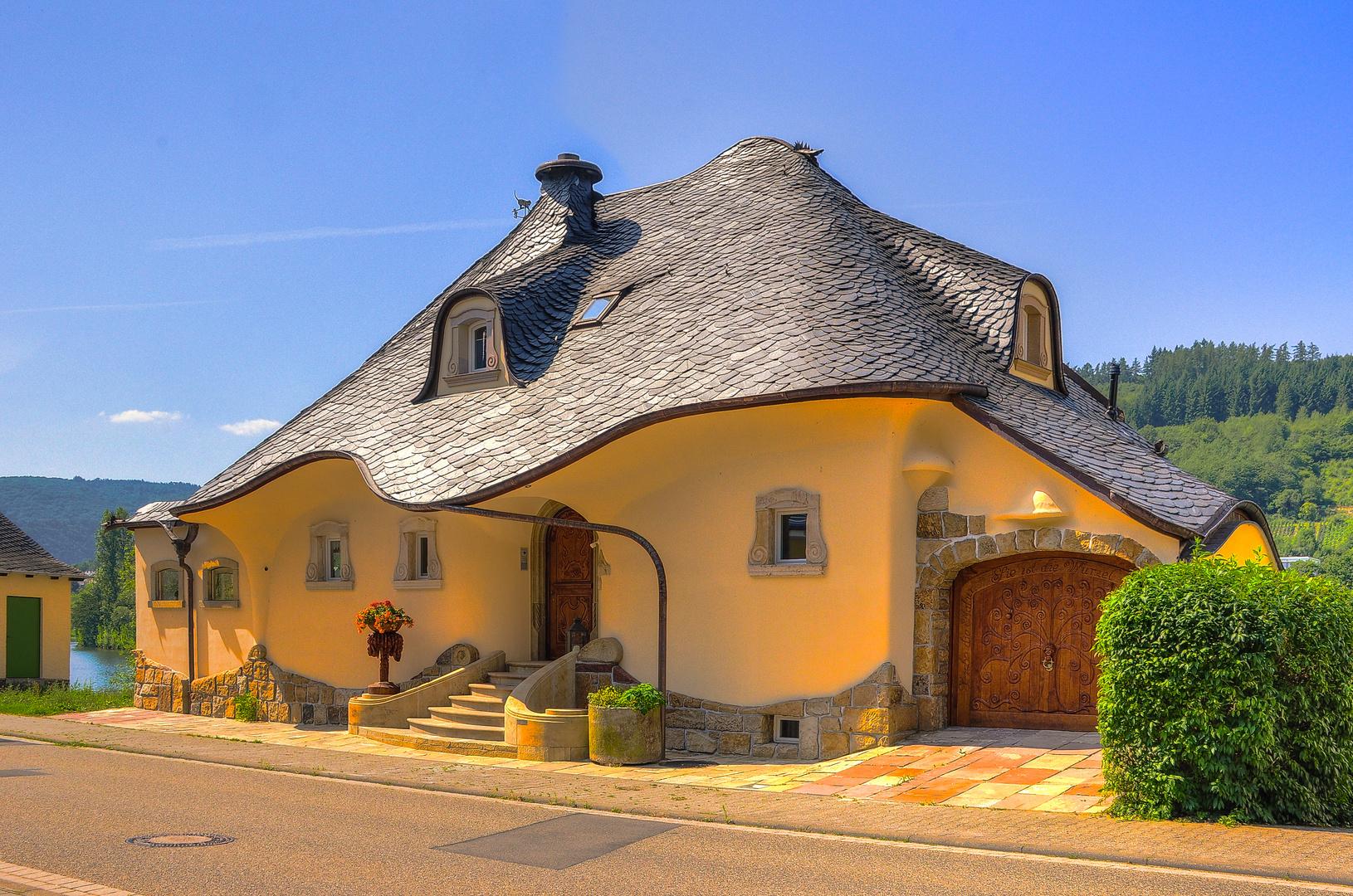 Die Wellenburg in Zell Mosel Foto & Bild