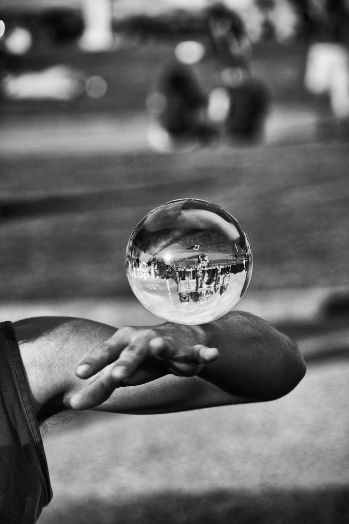 Die Welt in der Hand...