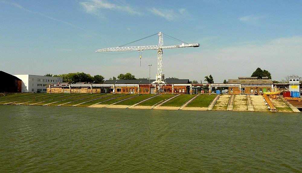 """. . """"die Werft Korneuburg"""". ."""
