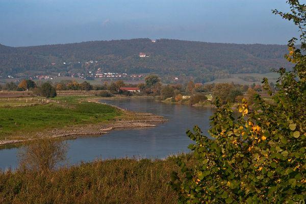Die Weser mit Blick auf die Schaumburg