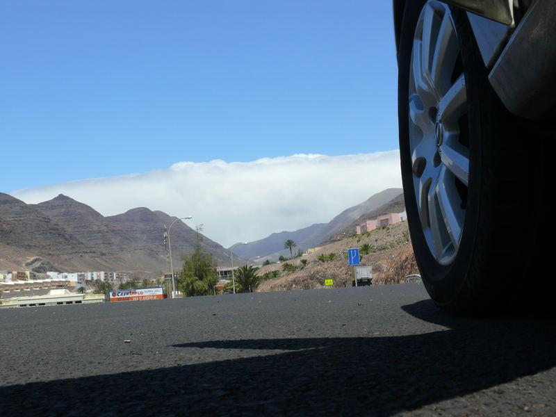Die Wolken sind doch so hoch aber trotzdem noch zu niedrig um über die Berge zu kommen