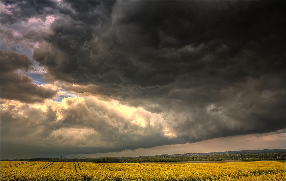 """Die """" Wolkenwand """""""