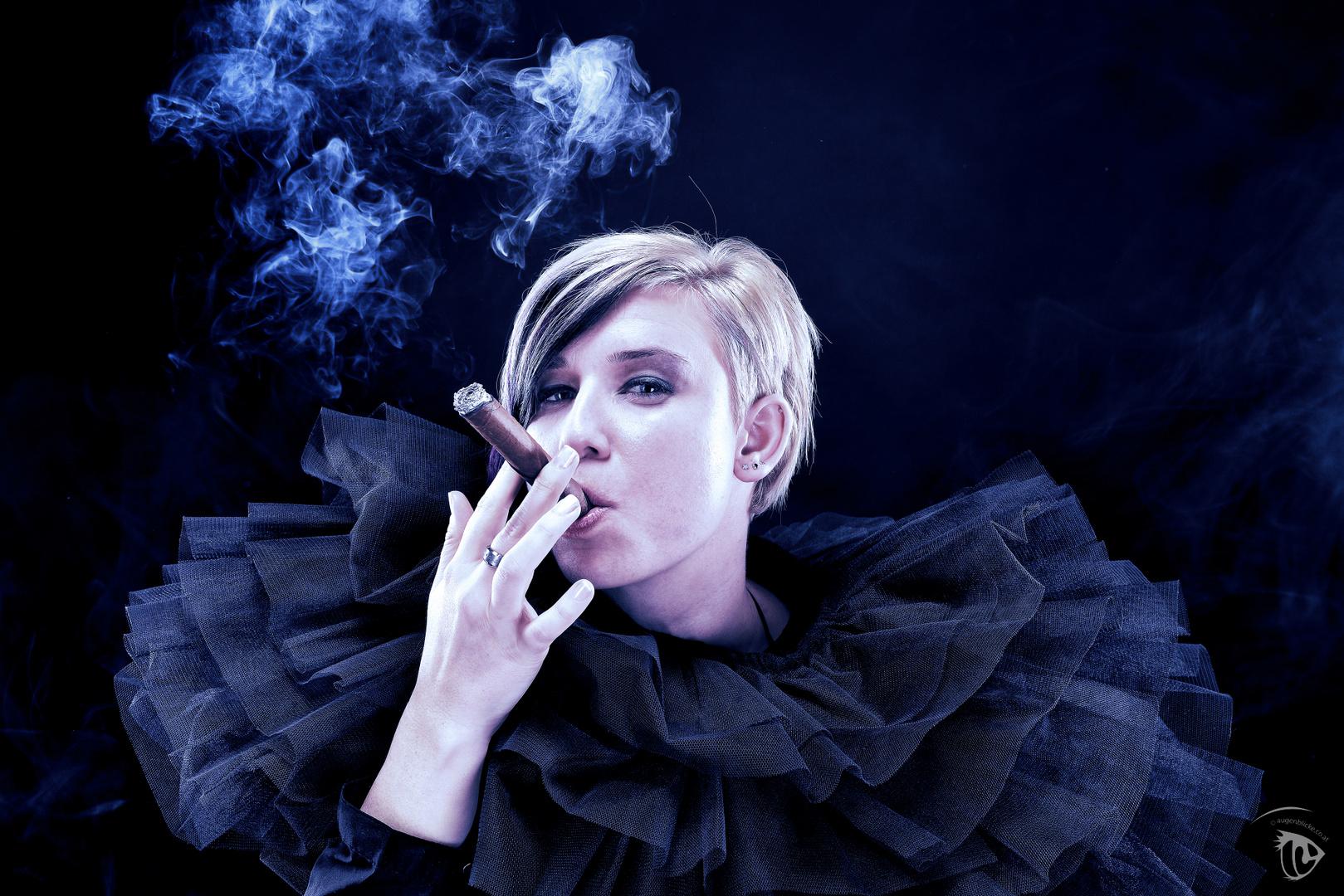 Die Zigarre dazwischen..
