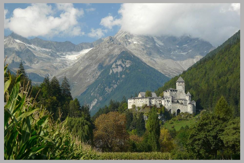 Die Zillertaler Alpen als Kulisse ....