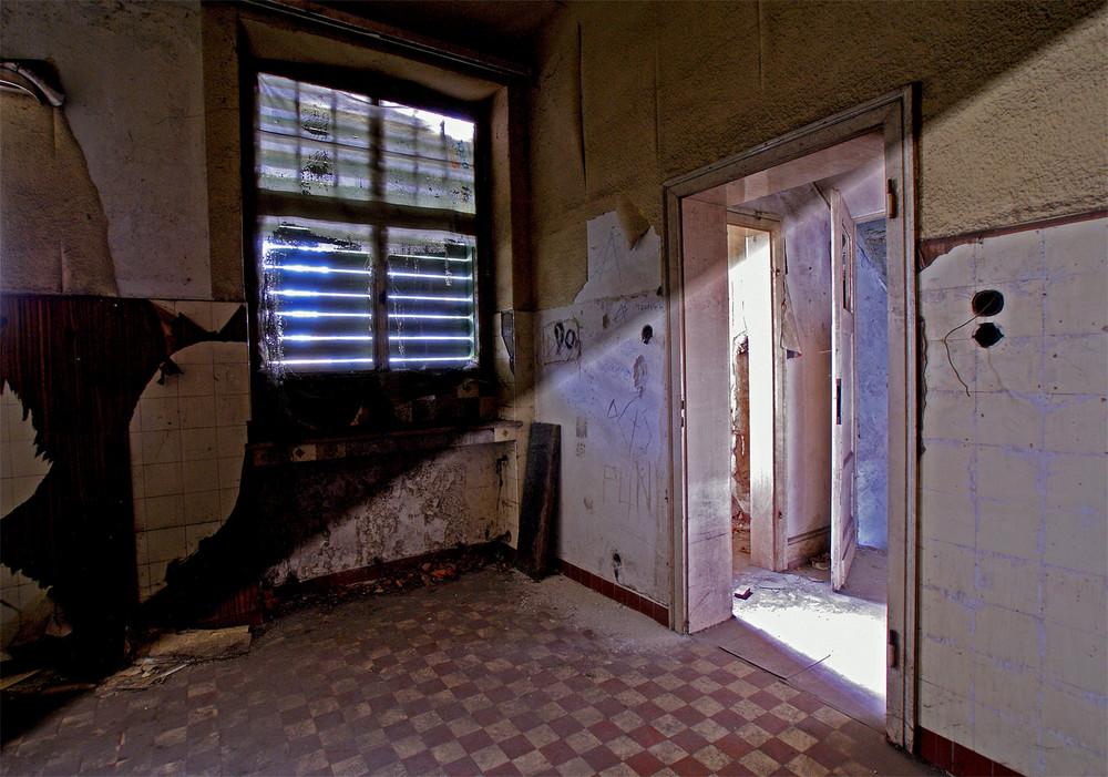 Diese Küche steht seit ca.20 Jahren leer