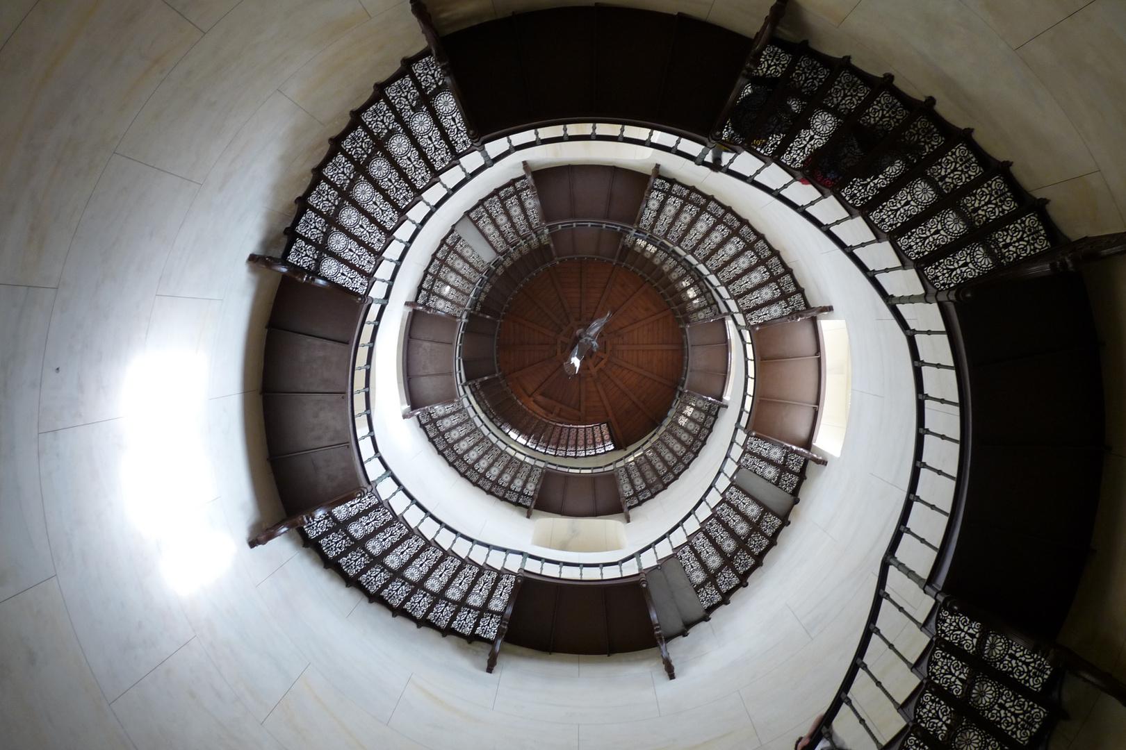 Diese tolle gusseiserne Treppe findet man im Jagdschloss Granitz auf Rügen .....