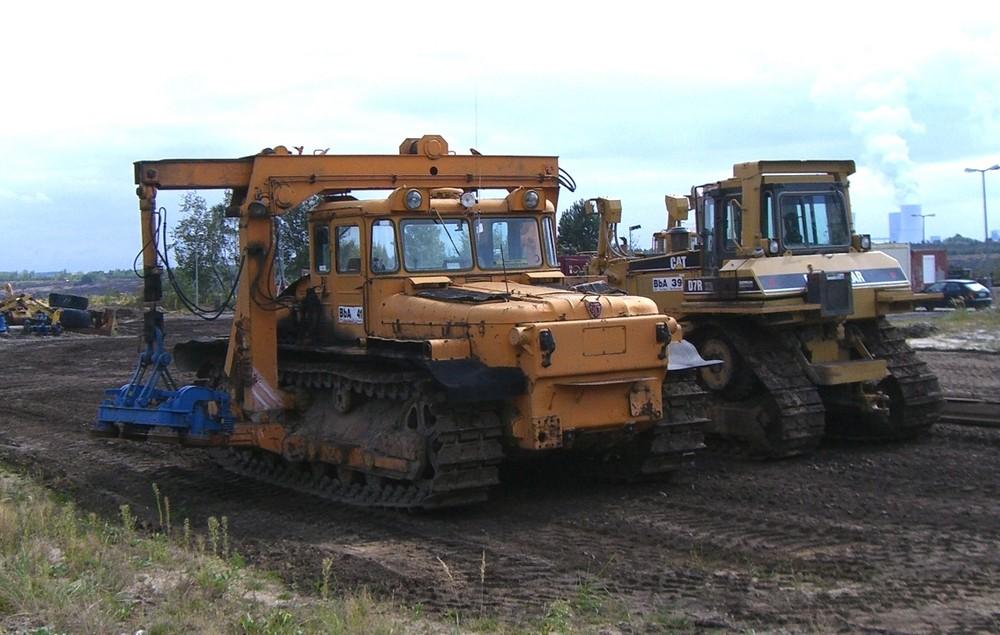 Dieselelektrischer Traktor 250 und Kollege