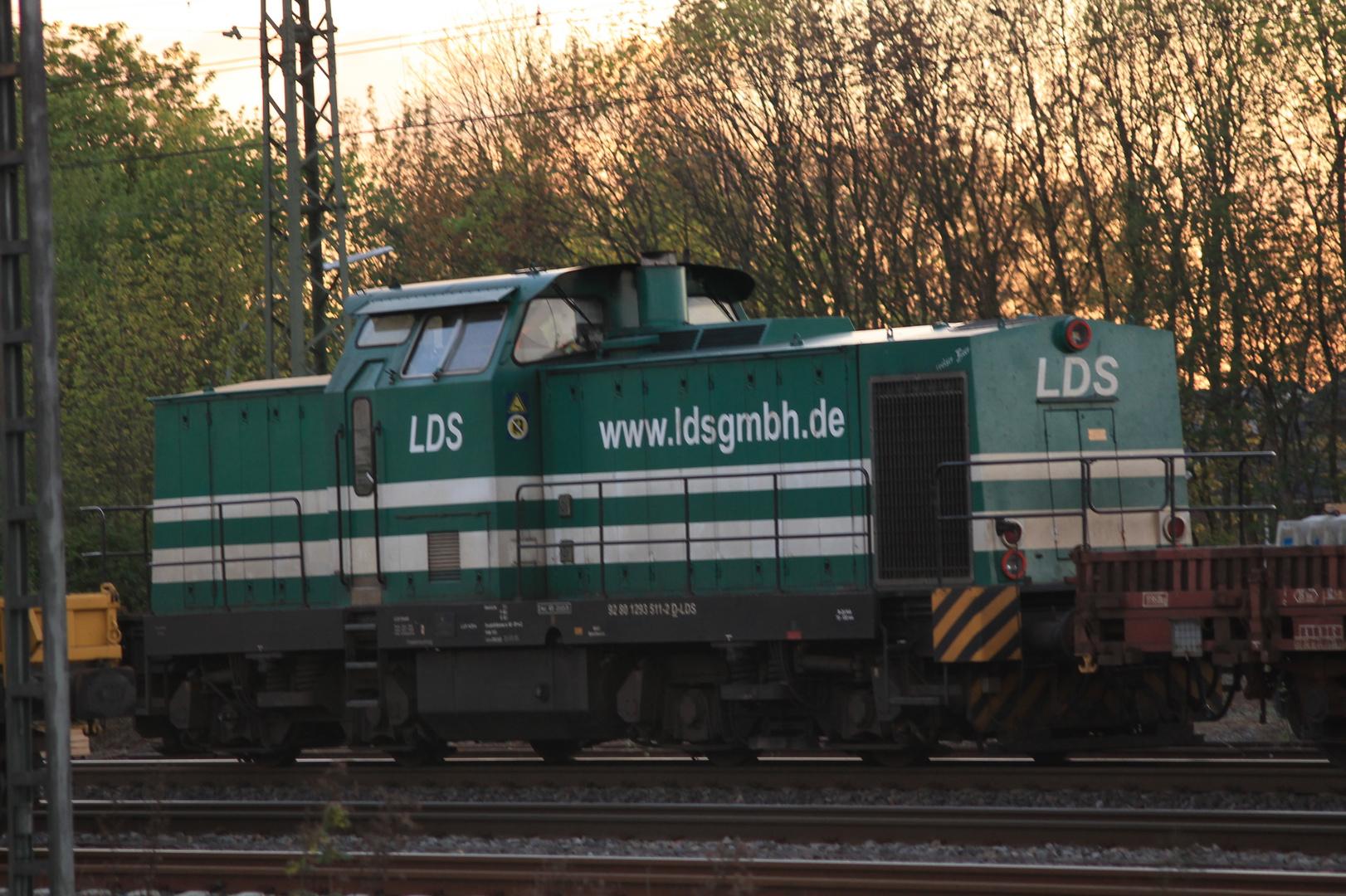 Diesellokomotive in Grün