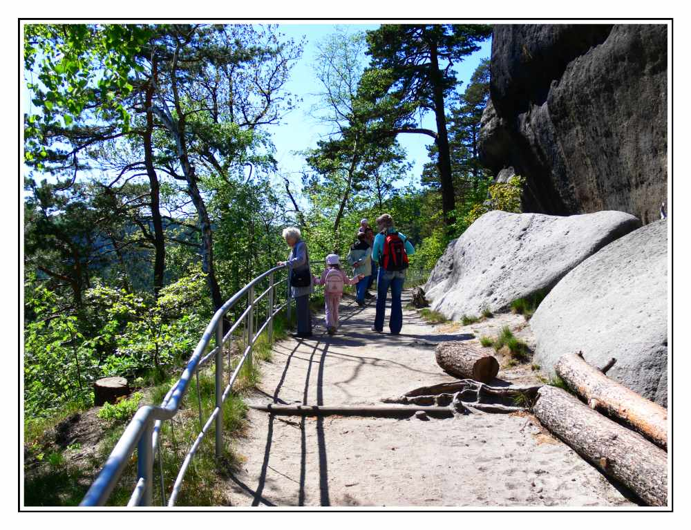 Dieser Weg auf dem Berg Oybin...