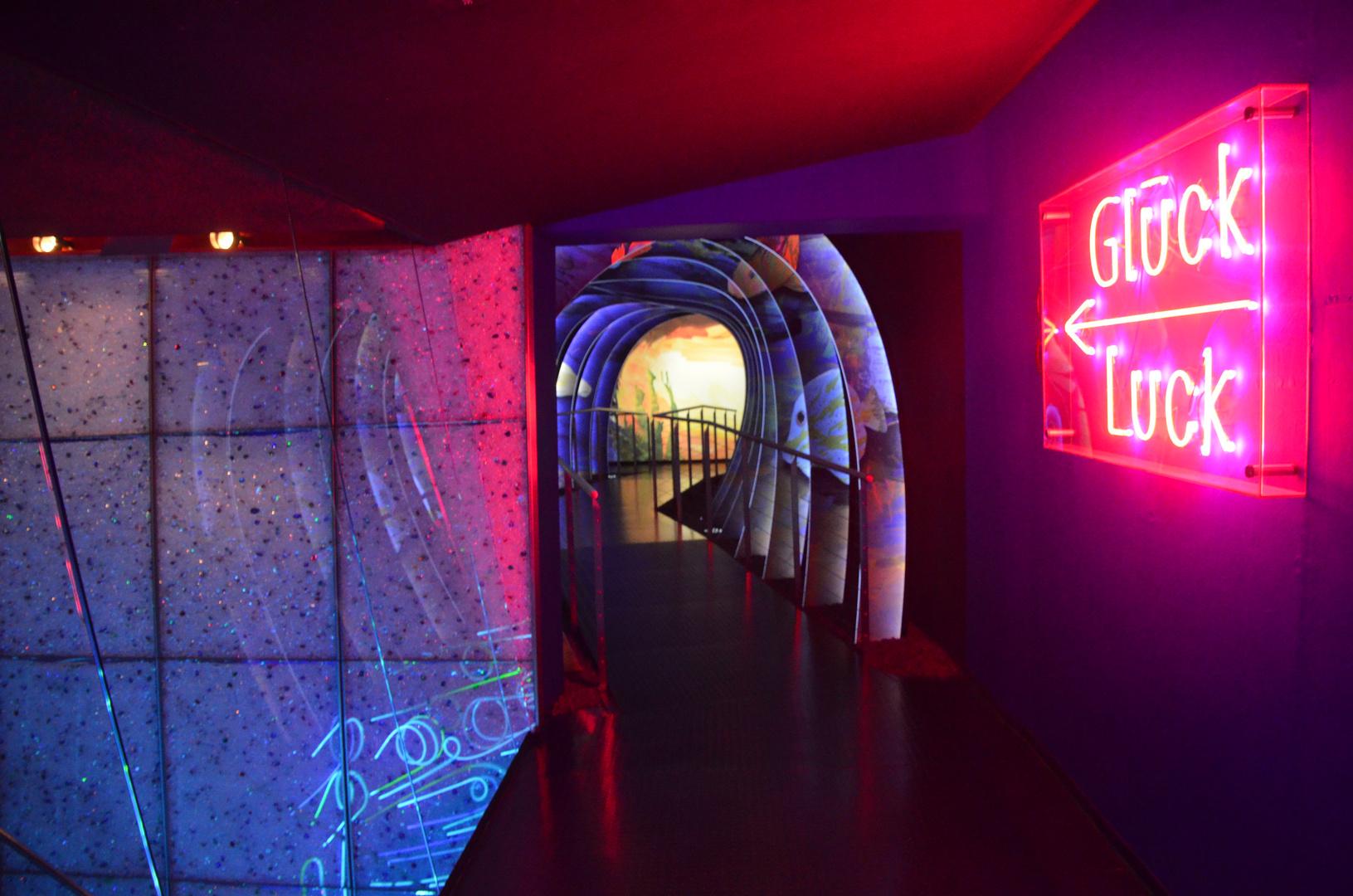 Dieser Weg führt durch den Tunnel