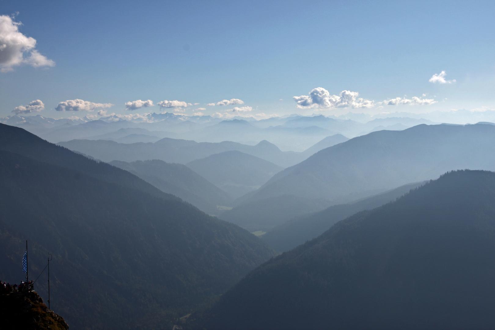 Diesige Berglandschaft