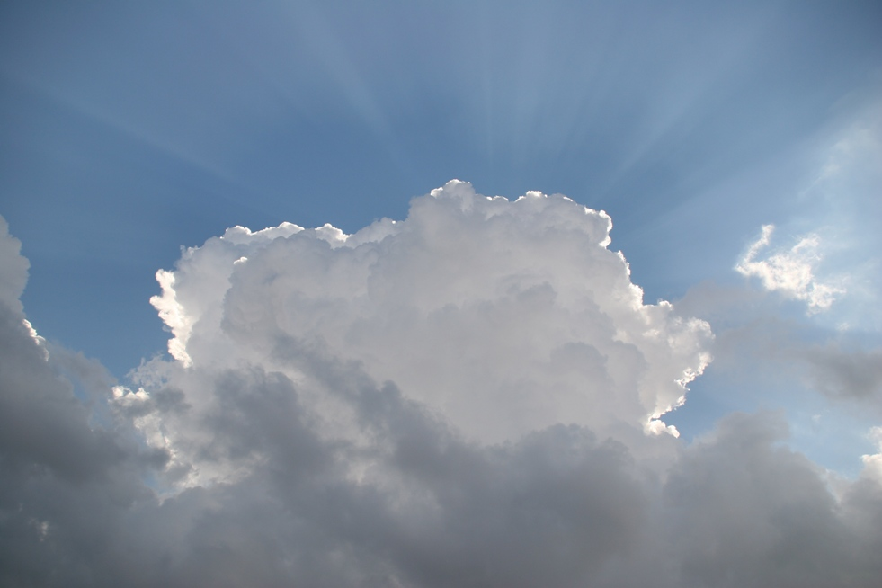 Dietro le nuvole - Every cloud has a silver lining