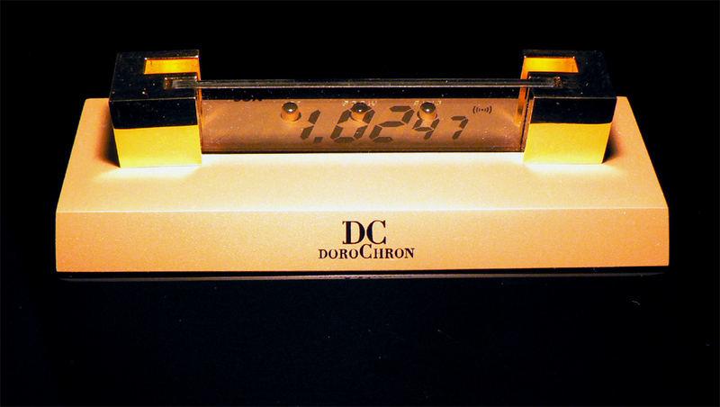 Digitale Schreibtischuhr