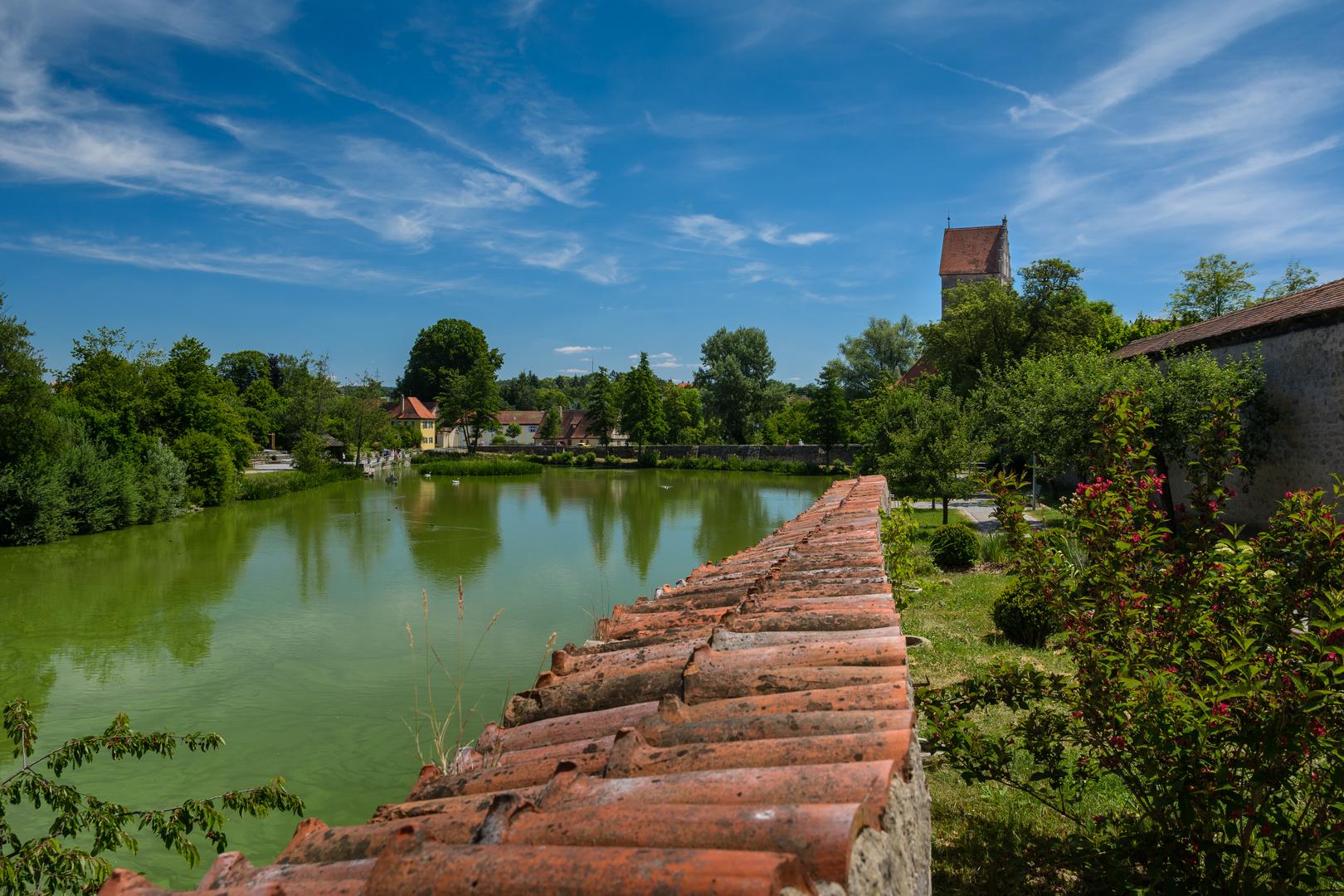 Dinkelsbühl am Rothenburger Weiher - Blick in Richtung Schleuse
