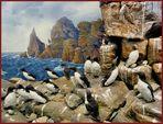 Diorama eines Vogelfelsens