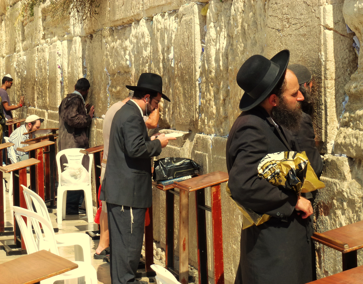 direkten Kontakt zu Gott an der Klagemauer in Jerusalem