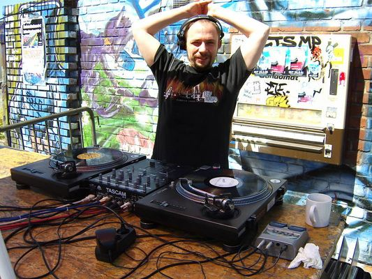 DJ FRANKEE aus Hamburg