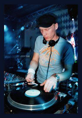 DJ Mono