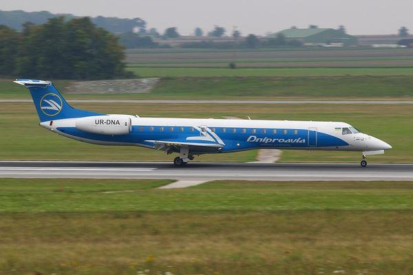 Dniproavia Embraer 145EU