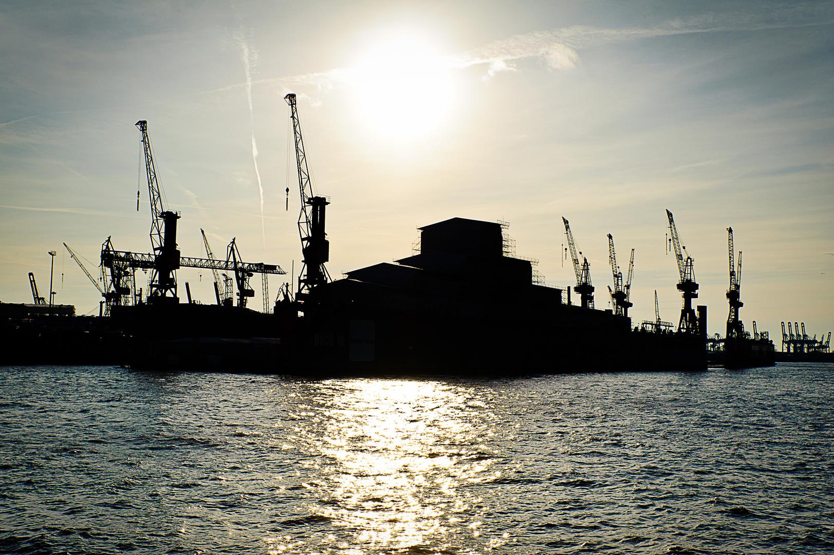 Dock 10 Silhouette, Hamburg