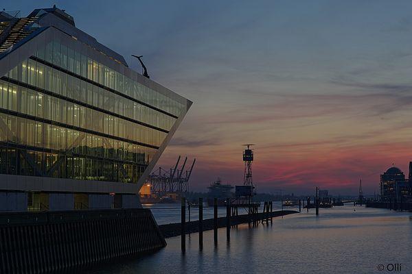 Dockland an der Elbe ....