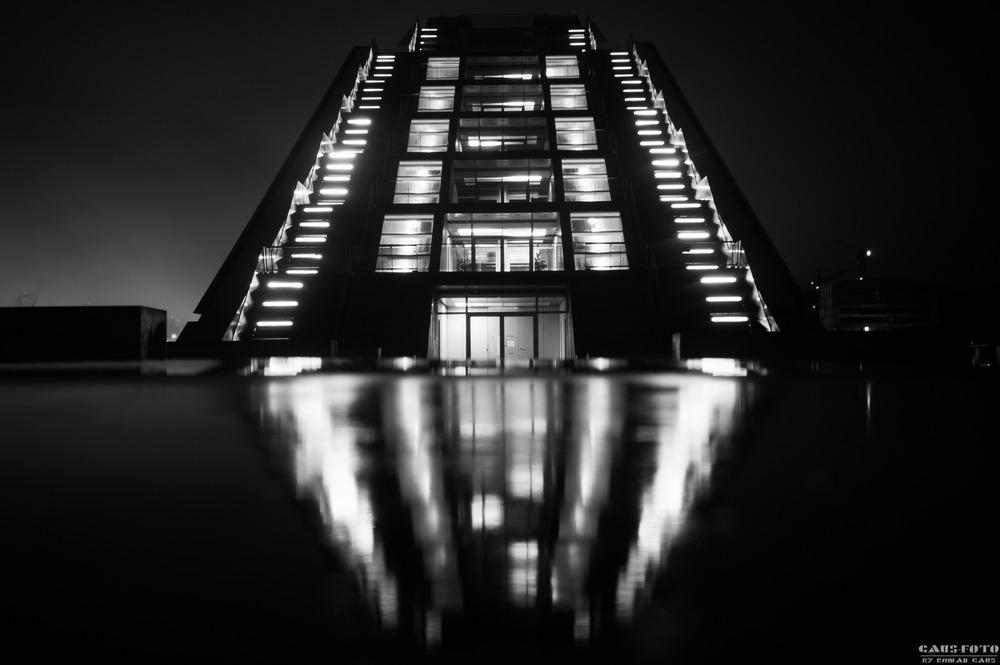 Dockland bei Nacht.