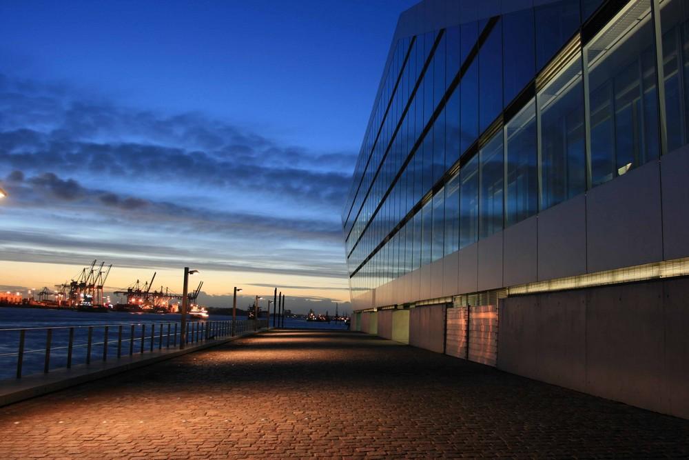 Dockland Elbabwärts