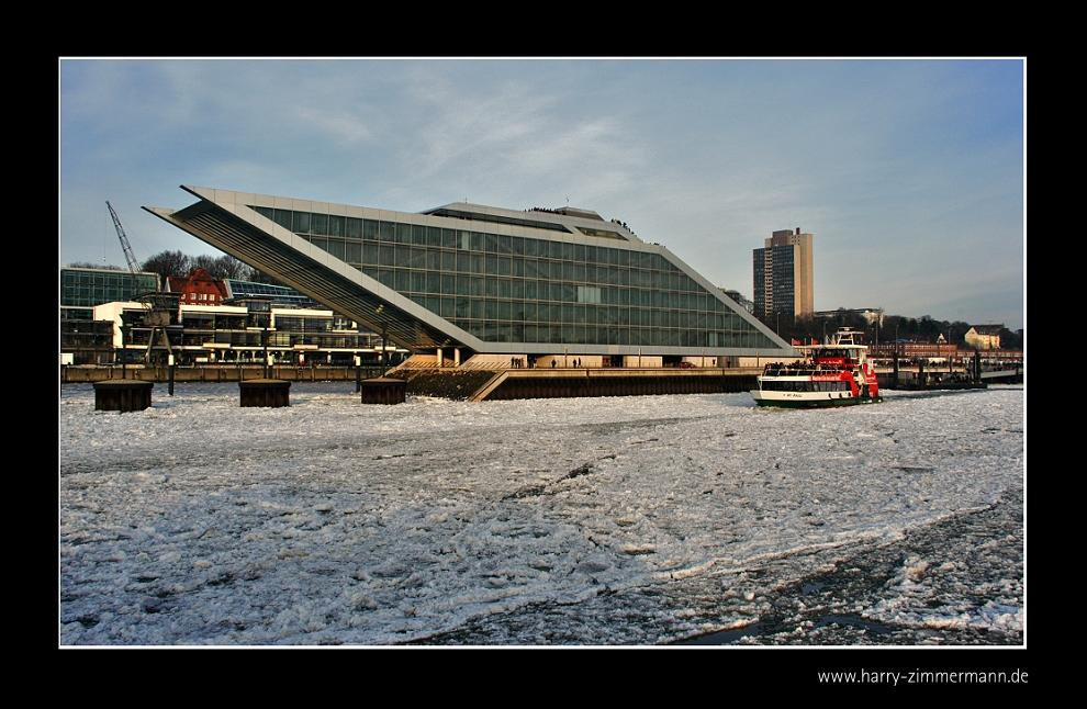 Dockland im Eis