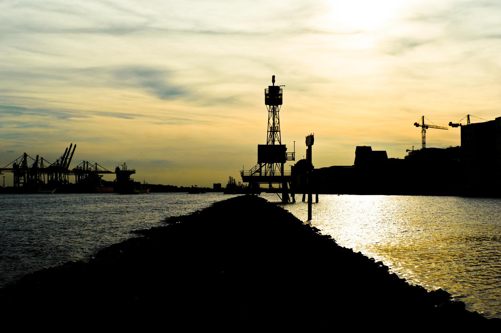 Dockland Radar auf Elbkai, Hamburg