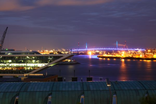 Dockland und Köhlbrandbrücke bei den Cruise Days 2010
