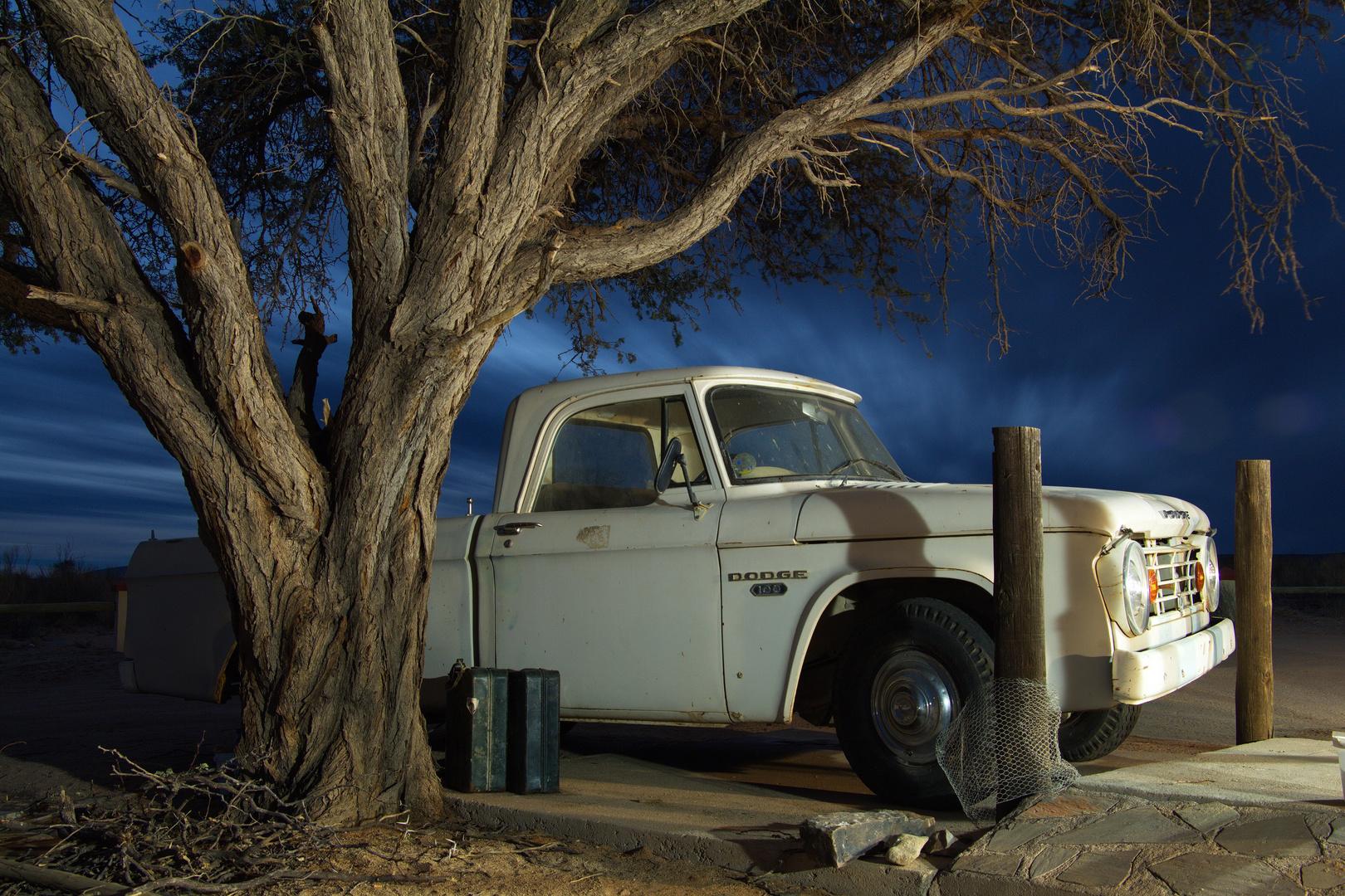 Dodge bei Nacht