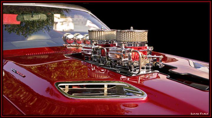 DODGE CHALLANGER ENGINE