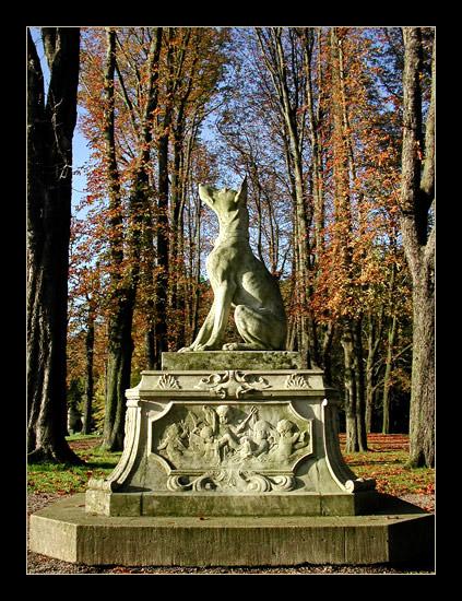 Dog statue @ Schloss Nordkirchen