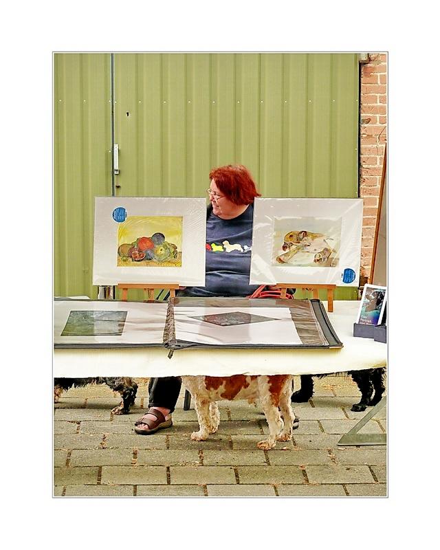 Dogs under the Table (in Niederländischer Umsetzung)