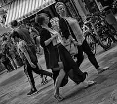 'dolce vita' - walk on by