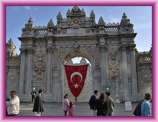 DOLMABAHCE-palace door