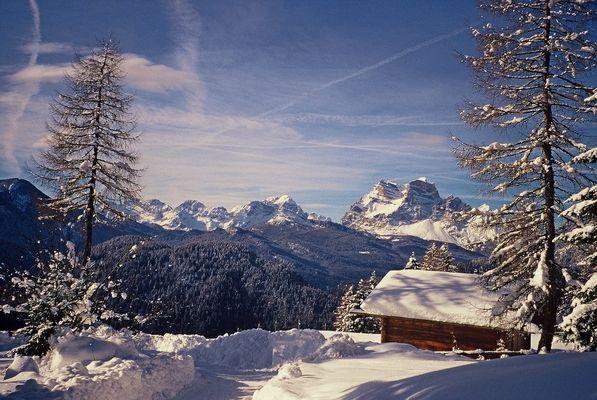 Dolomiti - Valle di Cadore - Monte Pelmo scendendo dal rifugio Costapiana.