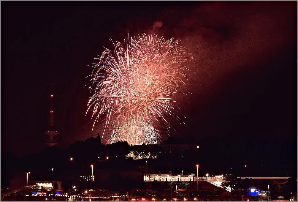 + Dom Feuerwerk +