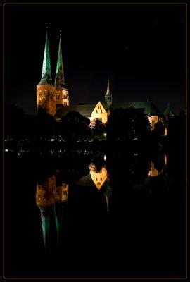 Dom in Lübeck bei Nacht