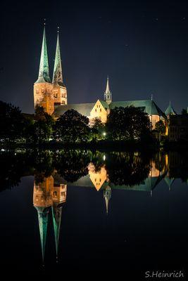 Dom in Lübeck bei Nacht (V2)