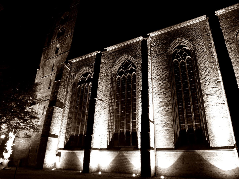 Dom in Verden bei Nacht