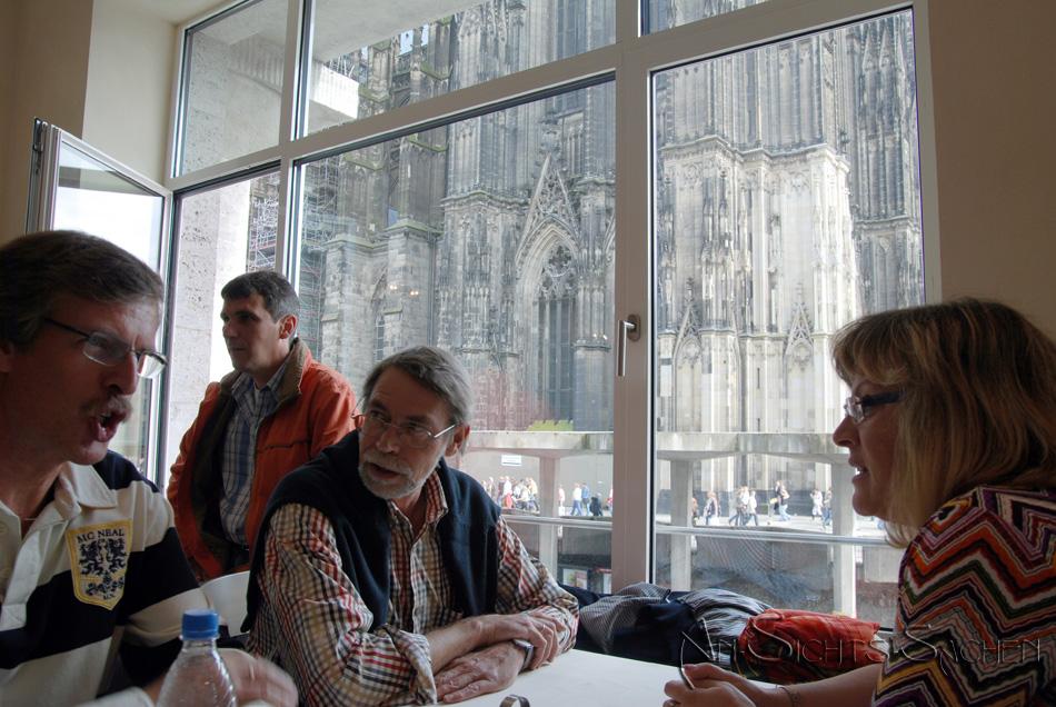 Dom - Köln -Kölsch 3: Warten auf Klösch mit Dom