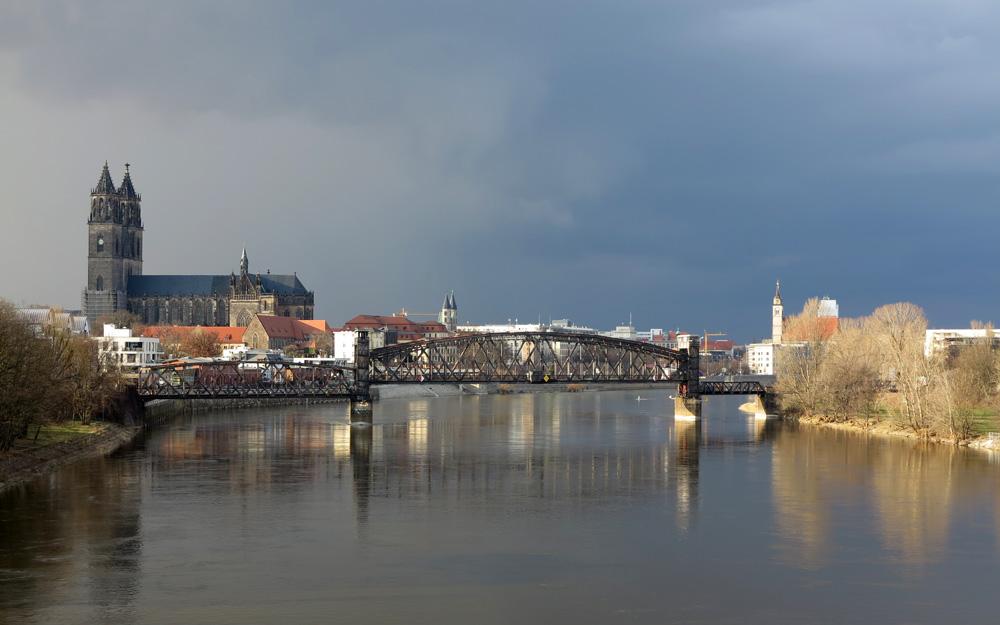 DOM und Hubbrücke