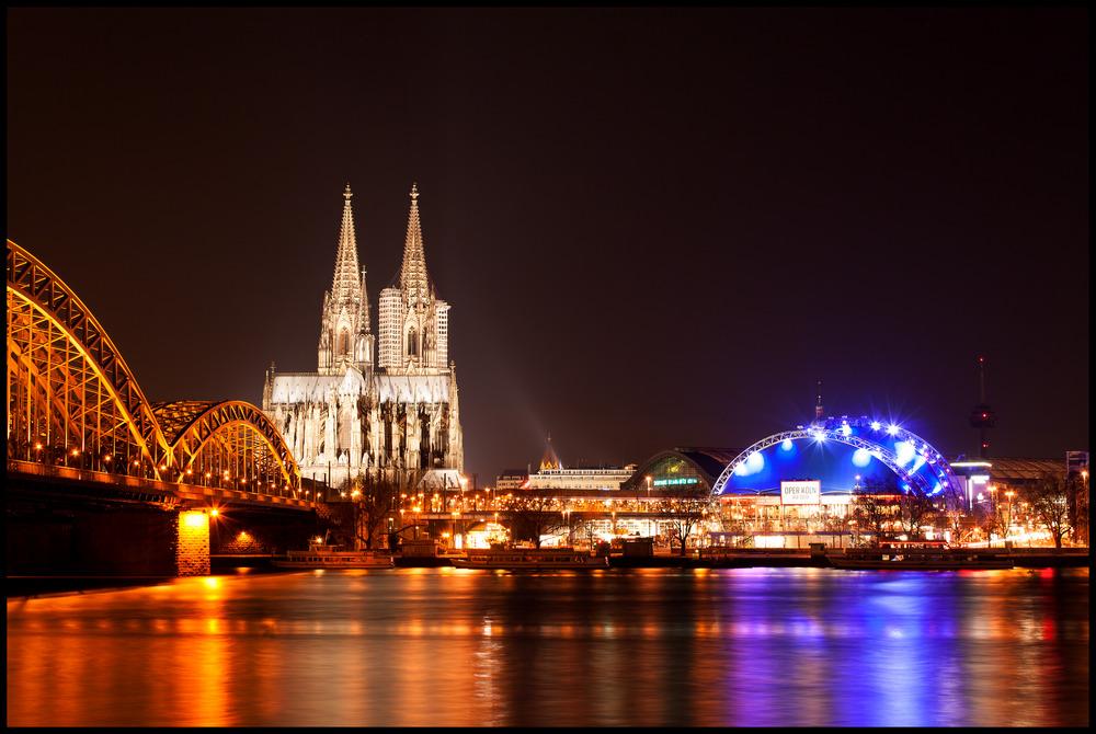 Dom zu Köln bei Nacht